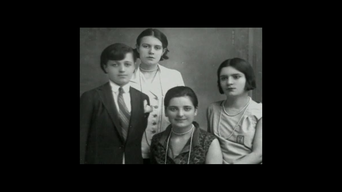 Rukiye, Sabiha, Afet (İnan), ve Zehra. Kaynak: Wikimedia Commons'tan Özgür medya deposu