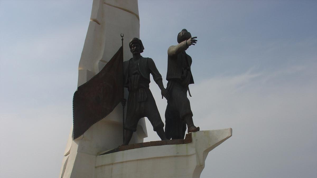 Turgut Reis'in Bodrum'daki heykeli Kaynak: Wikimedia Commons'tan Özgür medya deposu