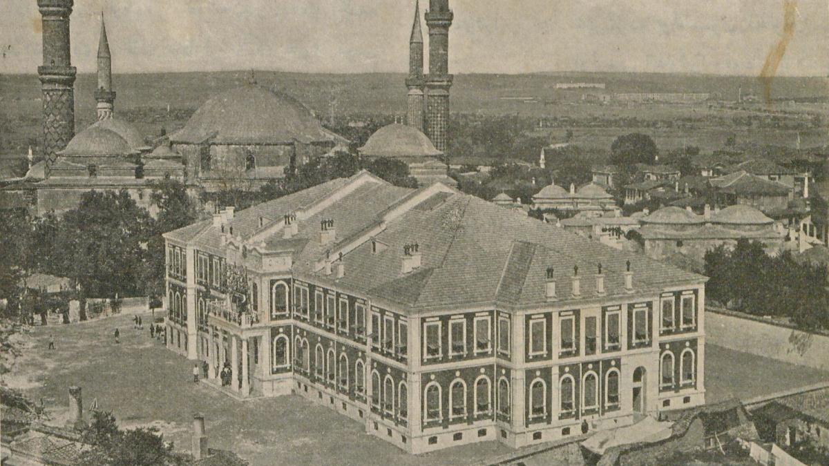 Edirne Daire-i Askeriyye binasına ait fotoğraf Taha Toros Arşivi, Dosya No: 22-Edirne Kaynak: İstanbul Şehir Üniversitesi Arşivi
