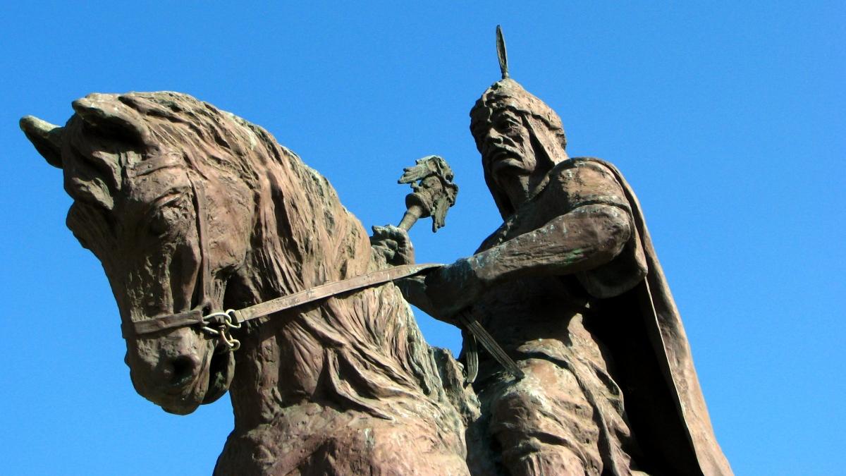 Statue of Kayqubad I in Alanya Kaynak: Wikimedia Commons'tan Özgür medya deposu